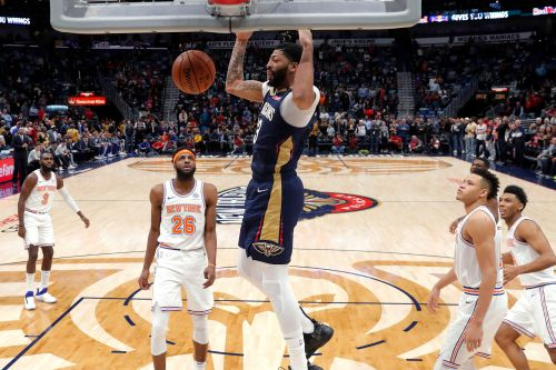 Anthony Davis dominates as Knicks blow big lead for 4th straight loss