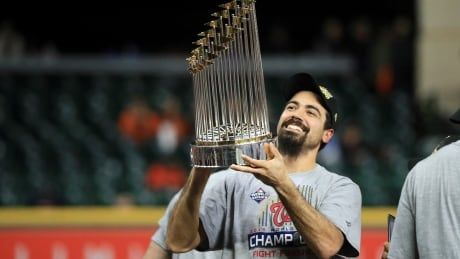 Anthony Rendon leaves champion Nationals for $245M US with Angels: reports