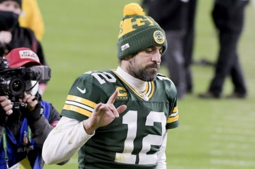 Aaron Rodgers says late FG call vs. Bucs wasn't his choice