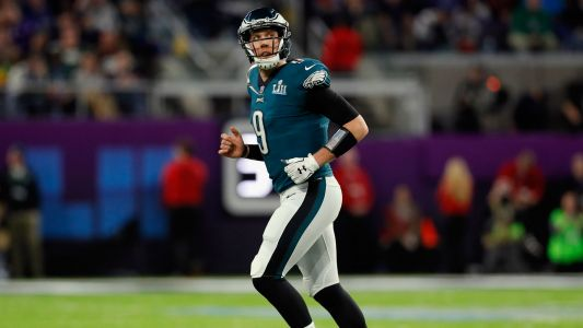 Nick Foles injured in 2018 debut, Eagles' QB suffers shoulder strain