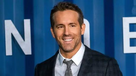Actor Ryan Reynolds eyeing purchase of Welsh soccer club