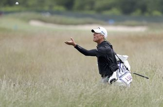 The Latest: Mickelson, Spieth, McIlroy struggle at US Open