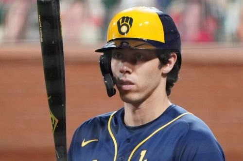 Milwaukee Brewers star Christian Yelich back on IL due to back issues