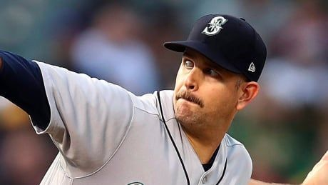 Mariners trade Canadian left-hander Paxton to Yankees