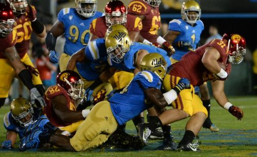 Live football updates: UCLA hosts USC at the Rose Bowl