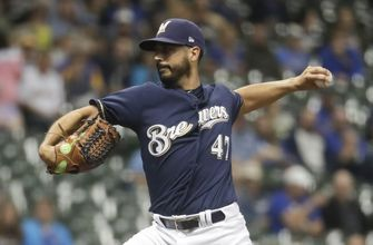 Gonzalez, Aguilar lead Brewers to 7-0 win over Reds