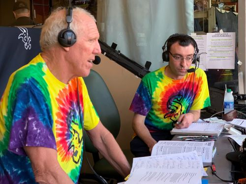 Bill Walton puts on show in White Sox booth takeover