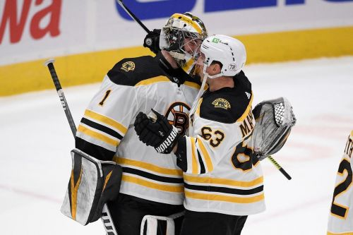 Swayman makes 31 saves in 2nd NHL, Bruins beat Capitals 4-2