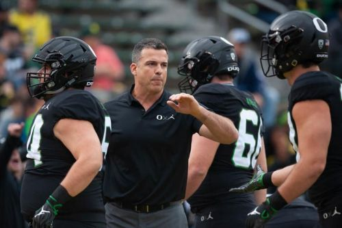 Oregon football adds three members to its staff