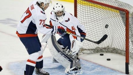 'Totally star-struck': Winnipeg hockey coach pressed into service as backup goalie for Washington Capitals
