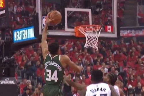Watch: Milwaukee Bucks' Giannis Antetokounmpo nets vicious dunk on Toronto Raptors