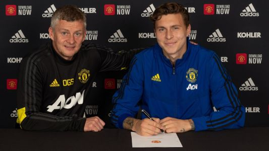 Man United sign Lindelof until June of 2024