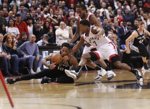 Post Up: Raptors Steal Win Over Spurs in DeMar DeRozan's Return