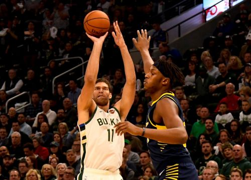 Bucks center Brook Lopez making history - one 3-pointer at a time