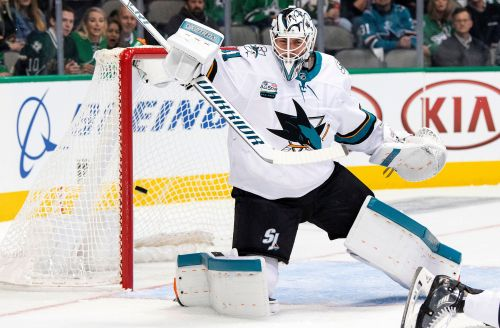 Shore's 2nd goal breaks tie, Stars beat Sharks 4-3