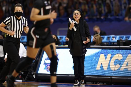 Dawn Staley says she's talked with Portland Trail Blazers; Becky Hammon a finalist for job, per report