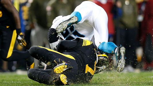 Ben Roethlisberger takes brutal hit against Panthers, leading to chaotic scuffle and ejection
