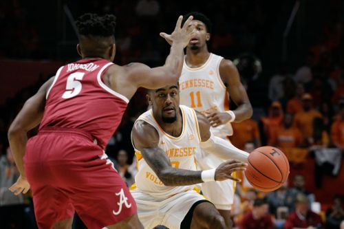 No. 3 Vols rally past Alabama, make case to lead AP Top 25