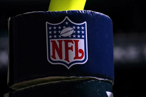NFL's record revenue puts lie to owners' dire anthem-protest warnings
