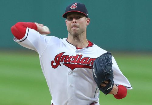 Corey Kluber strikes out 11, gets career-high 19th win as Cleveland Indians down Chicago White Sox, 5-3