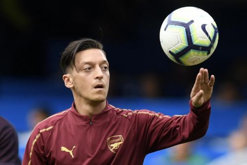 Watch: Mesut Ozil scores precise strike off of post for Arsenal