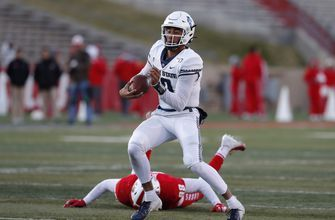 Oregon's Herbert, Utah State's Love head Senior Bowl QBs