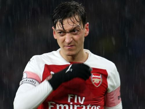 'The key is in Ozil's hands' - Emery urges Arsenal star to find way back into first-team