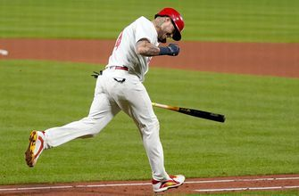 Molina reaches milestone, Carlson drives in three as Cards top Brewers 4-2
