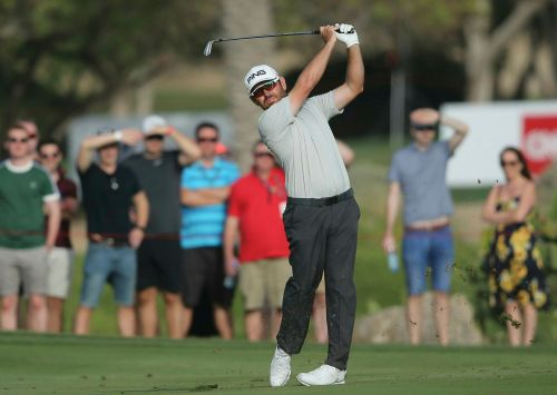 Lowry takes 3-shot lead into final round in Abu Dhabi