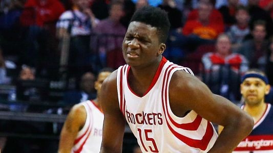 Clint Capela injury update: Rockets C undergoes thumb surgery, expected back after All-Star break