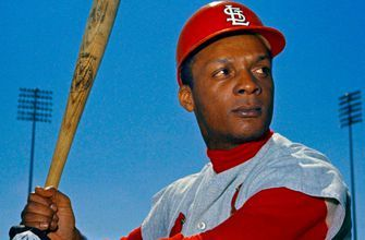 Members of Congress push for Curt Flood's enshrinement in Baseball Hall of Fame