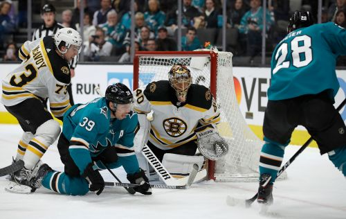 McAvoy's OT goal sends Bruins to 6th straight win