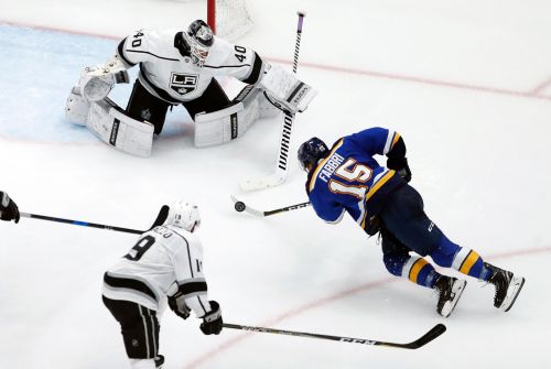 Peterson, Luff lead Kings to 2-0 win over Blues