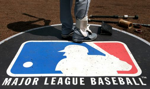 MLB umpire tests positive for coronavirus, crews shift