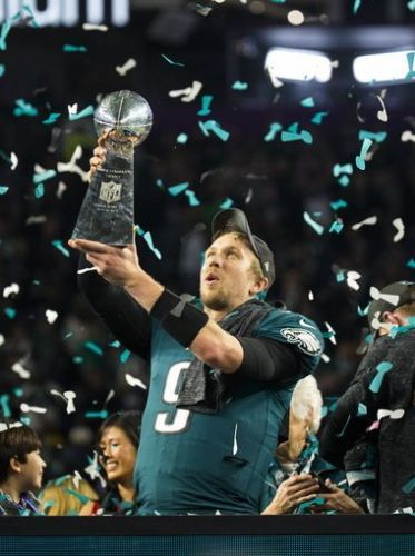 Eagles' Nick Foles leads NFL Top 50 player merchandise sales list for 2018