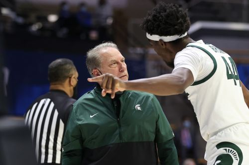 WATCH: Michigan State's Tom Izzo, Gabe Brown get into heated argument in NCAA Tournament vs. UCLA