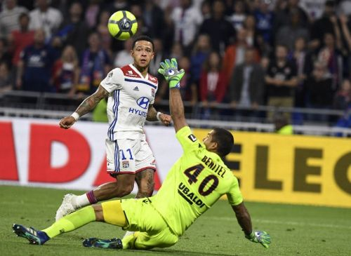 Depay treble sees Lyon beat Nice and pip Marseille to Champions League spot