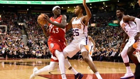Siakam's last-second drive gives Raptors win over Suns