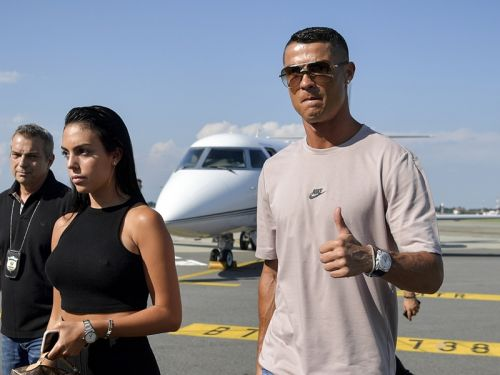 Video: Cristiano Ronaldo arrives for medical at Juventus for €100m transfer