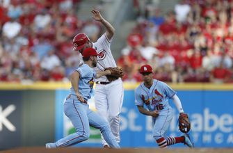 Reds snap 4-game losing skid with 3-2 win over Cardinals