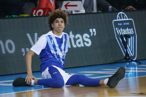 LaMelo Ball's team replaced at tournament after $10K appearance fee request