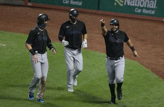 Red-hot Marlins extend winning streak to 6 with series-opening win over Mets