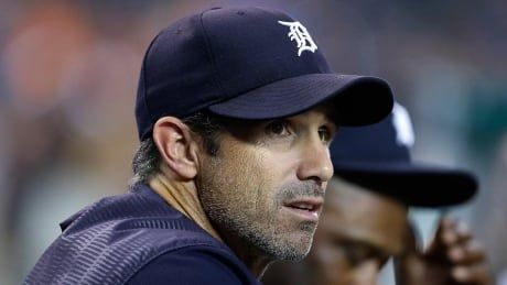 Angels, Reds hire ex-major leaguers Ausmus, Bell to manage