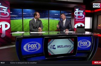 Jim Edmonds breaks down Ozuna's dive: 'I really think he's just stuck right there'