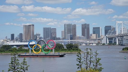 Tokyo Olympics triathlon venue smells 'like a toilet' - and may contain sewage