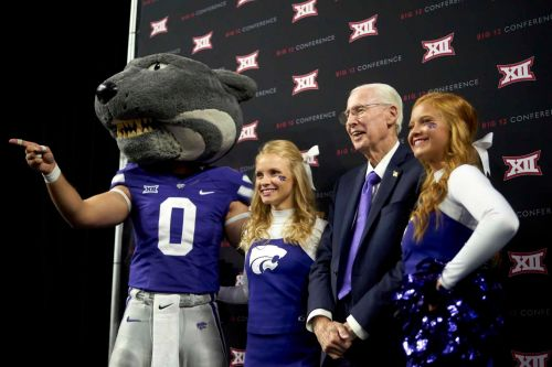 K-State's Snyder bucks Big 12 trend, brings QBs