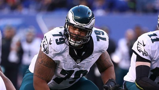 Eagles guard Brandon Brooks out 'indefinitely' with serious lower leg injury, report says