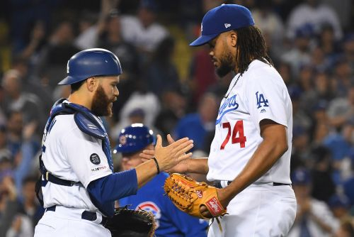 Kenley Jansen uses intentional balk to ensure Dodgers' win
