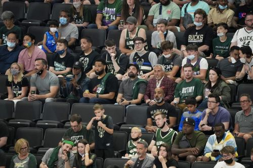 Bucks blow big lead, then rally to edge Nets 86-83 in Game 3