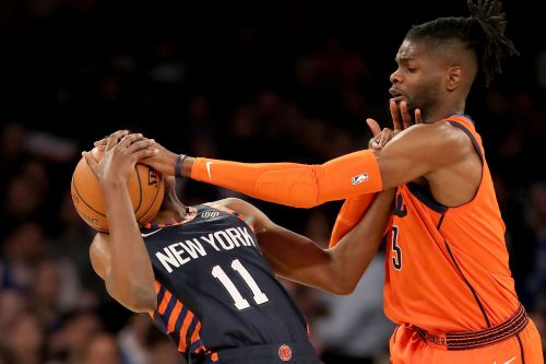 Knicks look exhausted in matinee embarrassment to Thunder